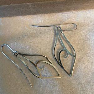 Retired James Avery Alfresco dangle Earrings